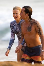 Nicole Kidman in a Swimsuit at the Beach in Sydney 12/27/2019