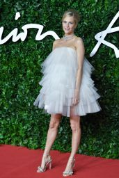 Poppy Delevingne – Fashion Awards 2019 Red Carpet in London