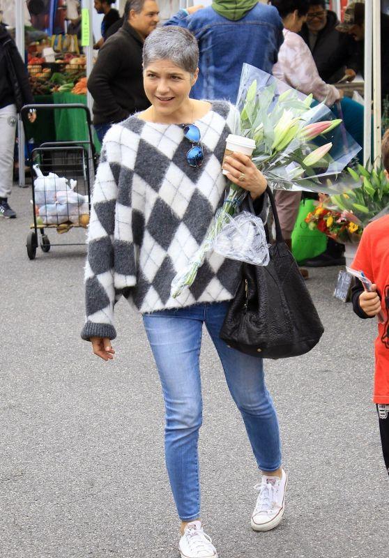 Selma Blair Street Style - Farmers Market in Studio City 12/08/2019