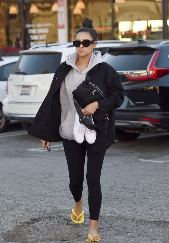 Shay Mitchell - Gets a Pedicure in LA 12/20/2019