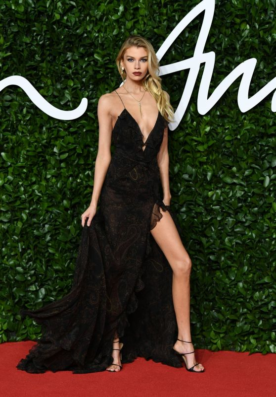 Stella Maxwell – Fashion Awards 2019 Red Carpet in London
