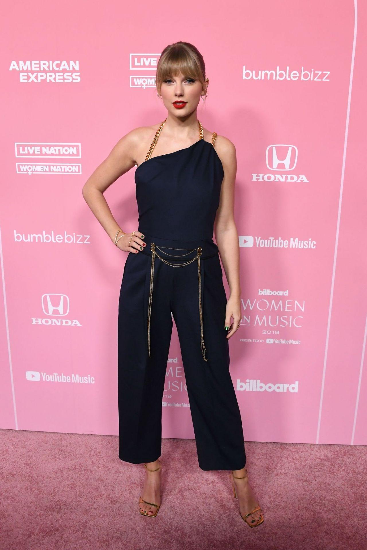 Taylor Swift beautiful at Billboard Women in Music Awards 2019