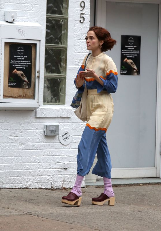 """Zoey Deutch - """"The Politician"""" Set in the East Village 12/16/2019"""