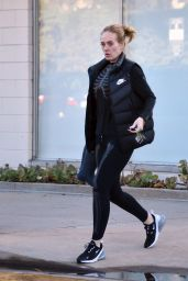 Adele Street Style - Leaving a Library in Los Angeles 01/24/2020