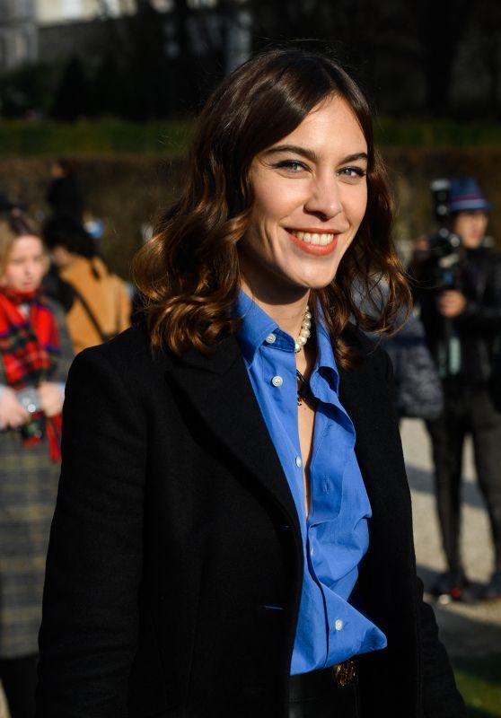 Alexa Chung – Dior Show at Paris Fashion Week 01/20/2020