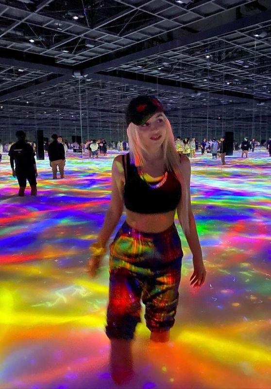 Ava Max - Social Media 01/14/2020
