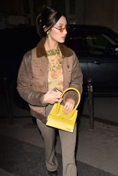 Bella Hadid Showing Off Her Trendy Style 01/18/2020