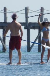 Bethenny Frankel - Paddle Board Workout in Cancun 01/01/2020