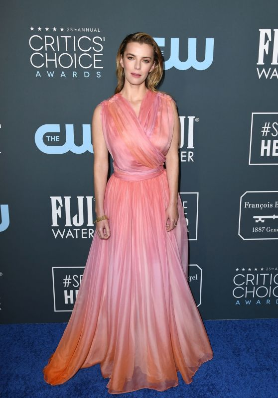 Betty Gilpin – Critics' Choice Awards 2020
