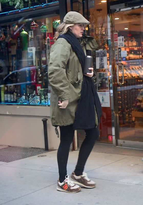 Blake Lively - Out For Breakfast in New York City 01/09/2020