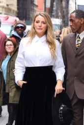 Blake Lively Style - Leaves an Office Building in New York 01/28/2020