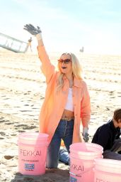 "Dove Cameron - ""FEKKAI"" Turns the Tide Beach Salon and Cleanup in Santa Monica 01/27/2020"