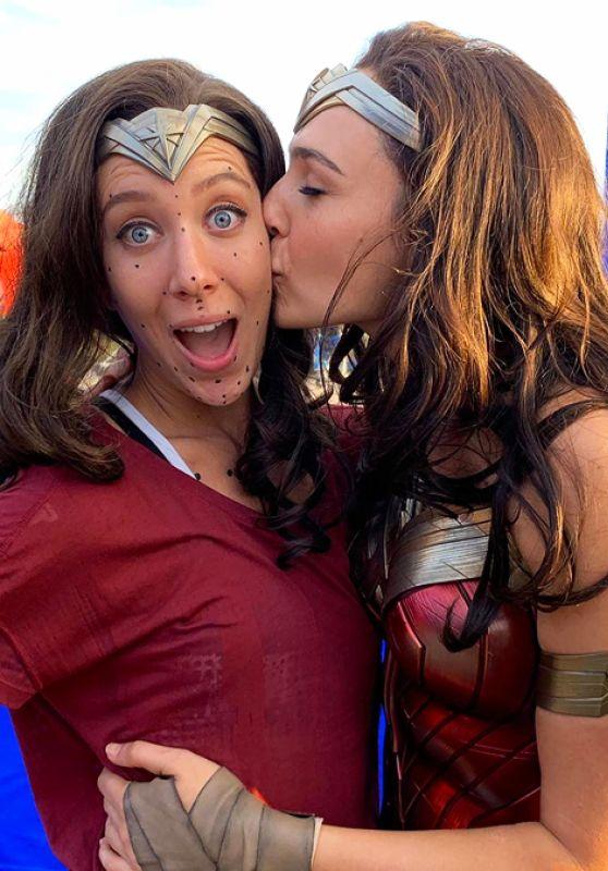 """Gal Gadot - """"Wonder Woman 1984"""" (2020) Set Photo"""
