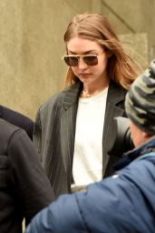 Gigi Hadid - Walks Out of Manhattan Criminal Court in NYC 01/13/2020