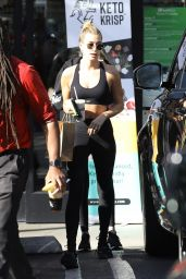 Hailey Rhode Bieber  in Gym Ready Outfit 01/29/2020