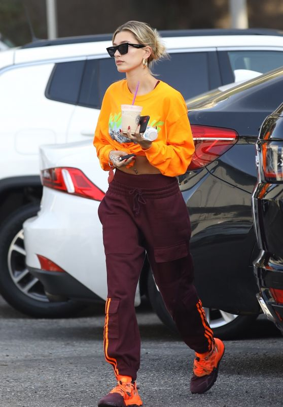 Hailey Rhode Bieber Street Style - West Hollywood 01/15/2020