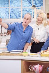 """Holly Willoughby - """"This Morning"""" TV Show in London 01/27/2020"""