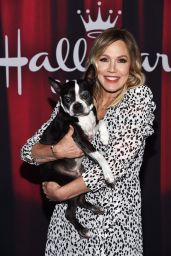 Jennie Garth - 2020 American Rescue Dog Show in Santa Monica