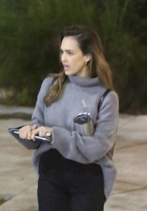 Jessica Alba - Leaves Her Office in Venice Beach 01/15/2020