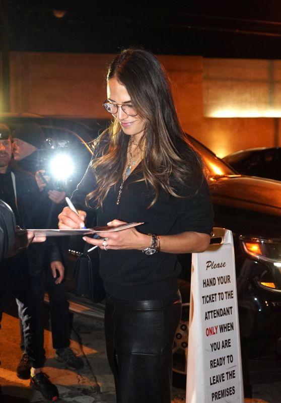 Jordana Brewster Signs Autographs For Fans 01/09/2020