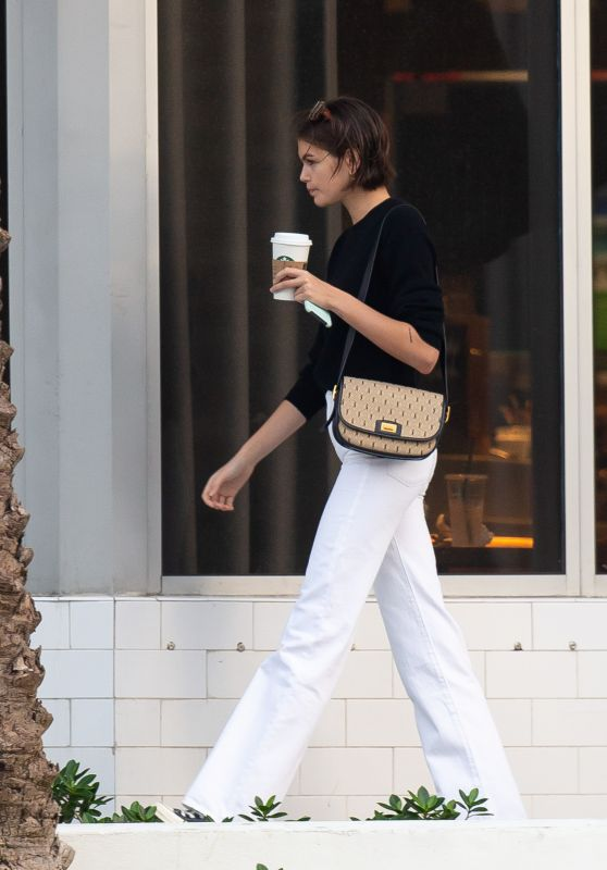 Kaia Gerber - Starbucks in Miami Beach 01/13/2020