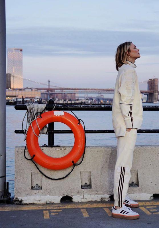 Karlie Kloss - Social Media 01/22/2020