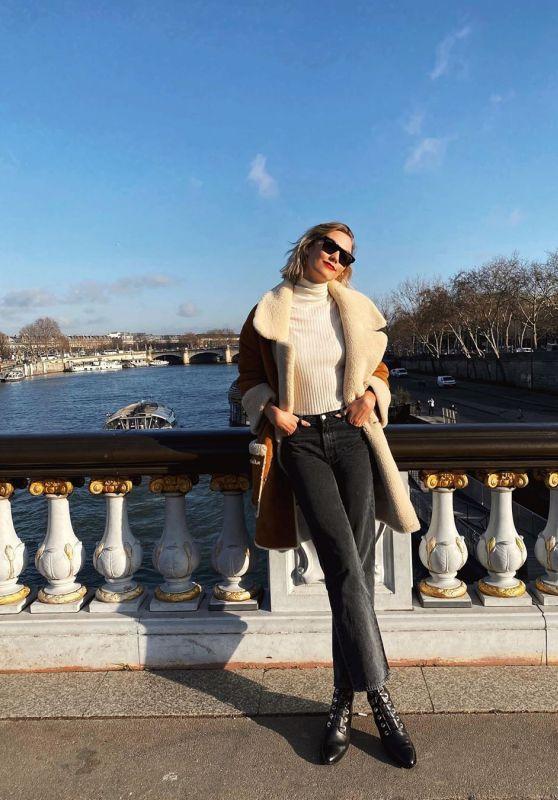 Karlie Kloss Style - Social Media 01/21/2020