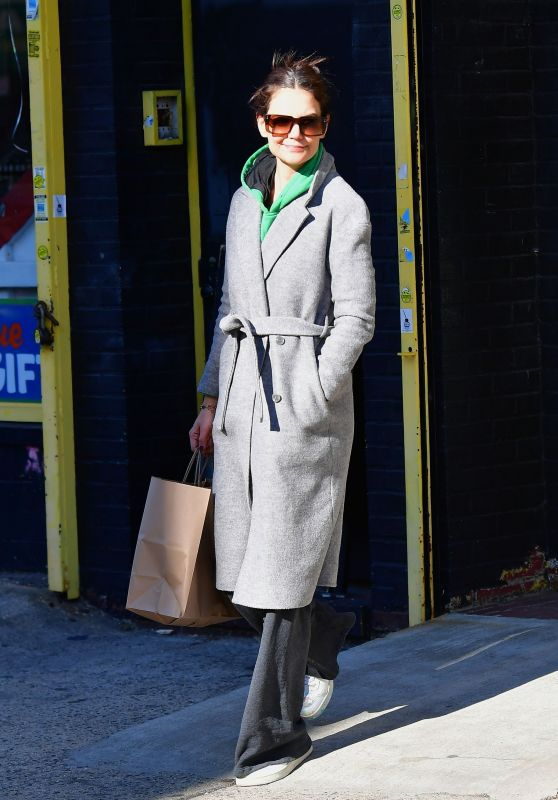 Katie Holmes in Casual Outfit - NYC 01/29/2020