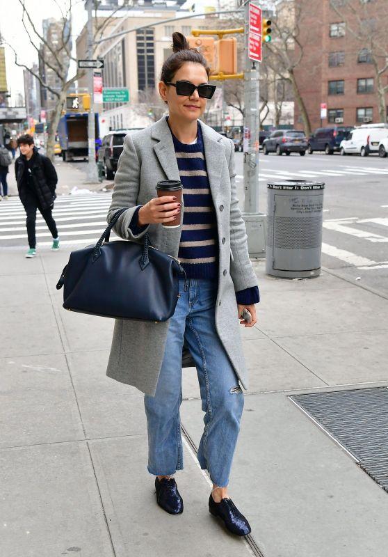 Katie Holmes Street Style - NYC 01/27/2020