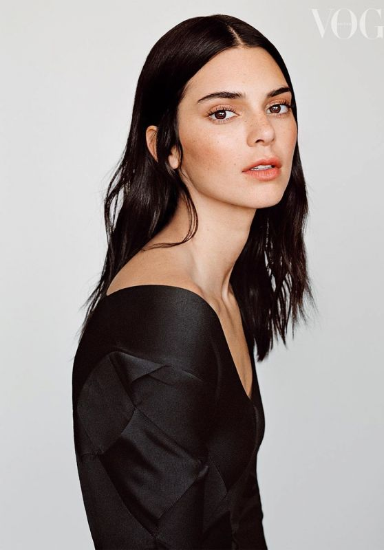 Kendall Jenner - Vogue UK February 2020 Photo