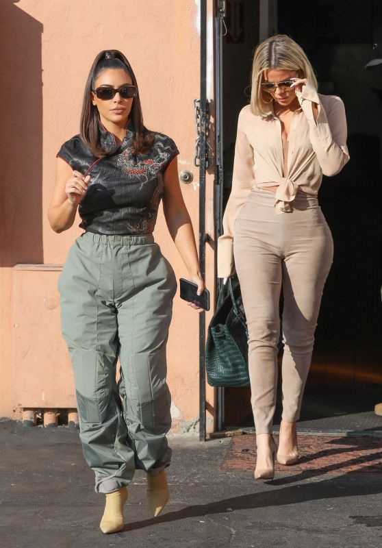 Kim Kardashian and Khloe Kardashian - Leaving Emilio