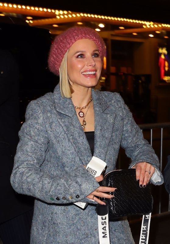 Kristen Bell - Arriving at a Broadway Play in NY 01/29/2020