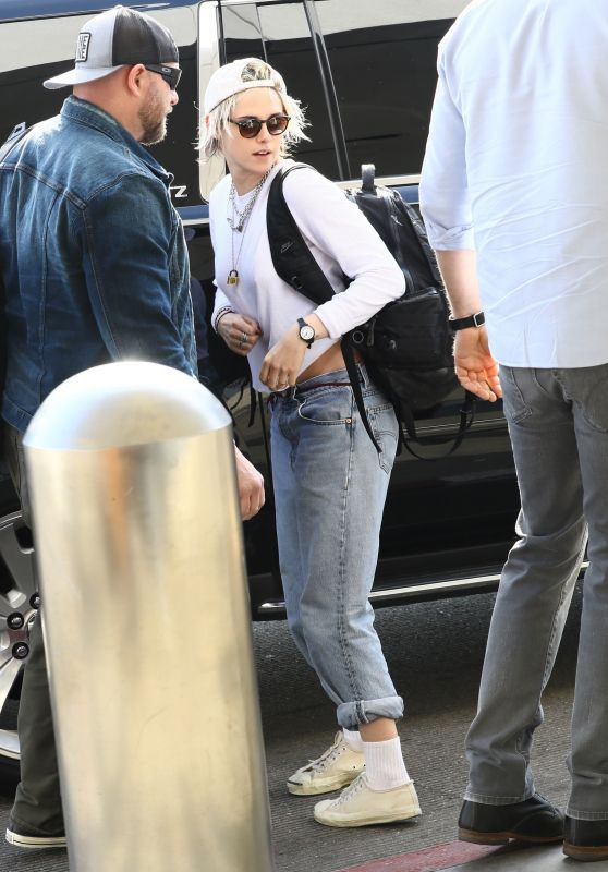 Kristen Stewart - LAX Airport in Los Angeles 01/08/2020