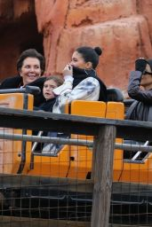 Kylie Jenner - Disneyland in Orlando 01/22/2020