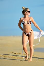 Lottie Moss - Beach in Cabo San Lucas 01/25/2020