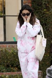 Madison Beer - Shopping in West Hollywood 01/08/2020