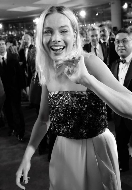 Margot Robbie – Behind The Scenes at the Golden Globes 2020