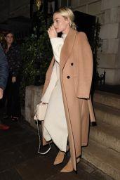 Margot Robbie - Leaving Annabel