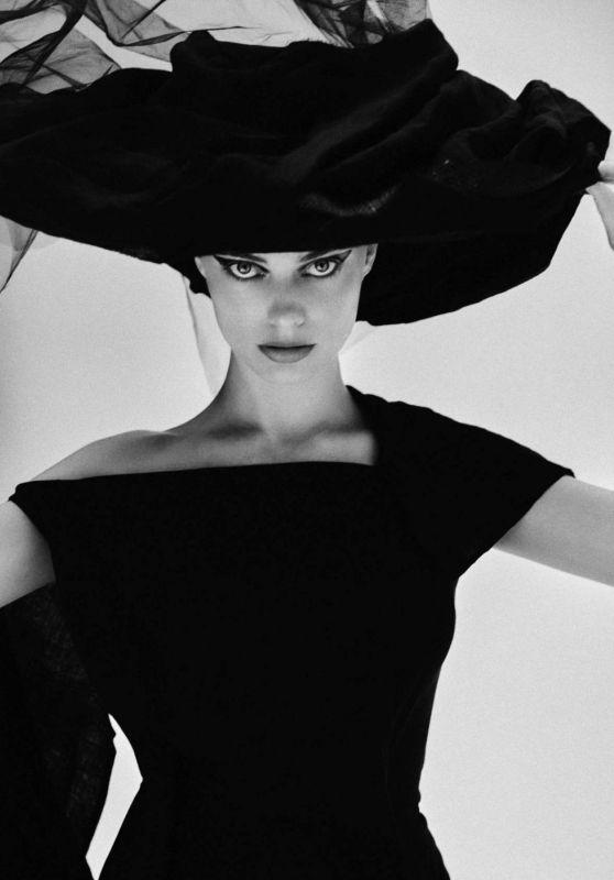 Margot Robbie – V Magazine Spring 2020 Photoshoot (Yohji Yamamoto)