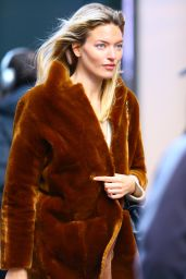 Martha Hunt - Opening Bell of the Nasdaq for NYFW 01/27/2020