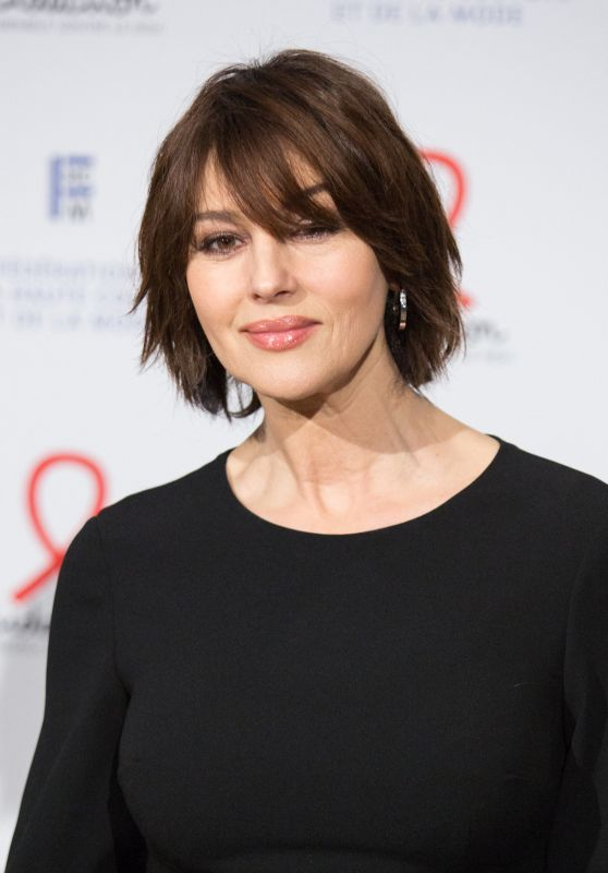 Monica Bellucci – Fashion Dinner for AIDS Sidaction Association in Paris 01/23/2020