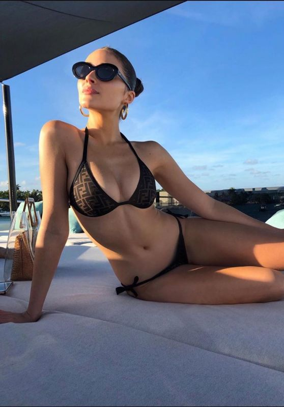 Olivia Culpo in Bikini - Social Media 01/31/2020