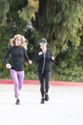 Reese Whiterspoon - Morning Jog in Brentwood 01/09/2020