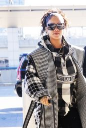 Rihanna in Travel Outfit - JFK Airport in NYC 01/21/2020