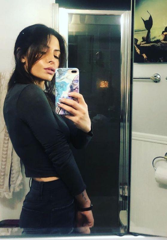 Sarah Shahi - Social Media 01/28/2020