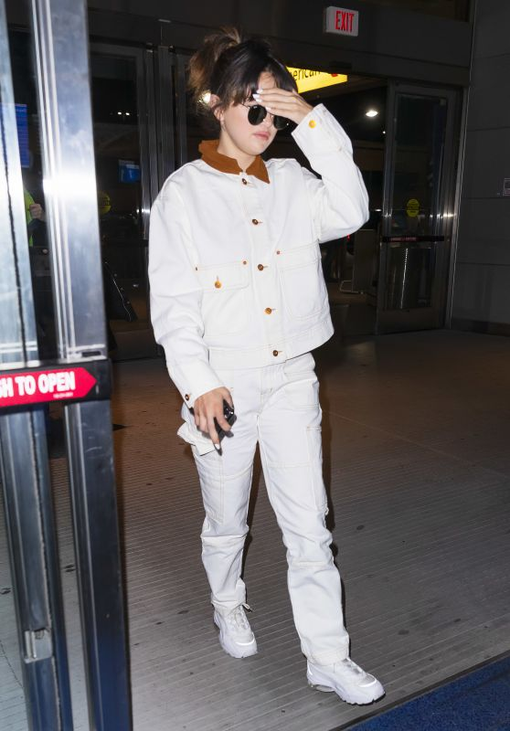 Selena Gomez in Travel Outfit - JFK Airport in New York City 01/15/2020