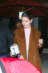 Selena Gomez - Out in Los Angeles 01/12/2020