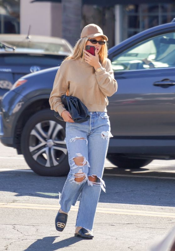 Sofia Richie - Shopping in Santa Barbara 01/13/2020
