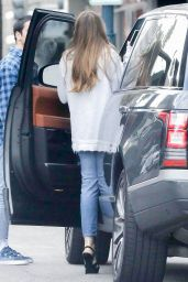 Sofia Vergara in Ripped Jeans - Beverly Hills 01/21/2020