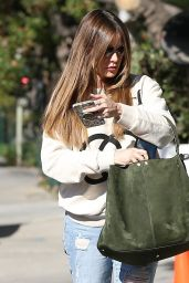 Sofia Vergara - Shops for a New Apartment in West Hollywood 01/28/2020